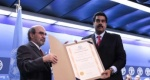 """These countries are leading the way to a better future,"" said FAO Director-General José Graziano da Silva, shown here presenting a certificate of recognition to Venezuelan President Nicolas Maduro (AVN) ."