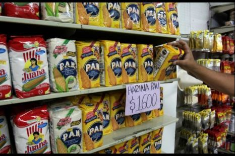 Smuggled flour for sale in Cucuta, 2009. (AFP/Getty Images)