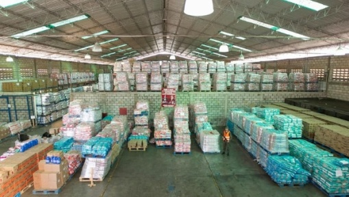 A warehouse full of essential items was discovered in the western state of Zulia on January 12, 2015, the seized good will be sold via government stores | Photo: Venezuelan Vice-Presidential Press