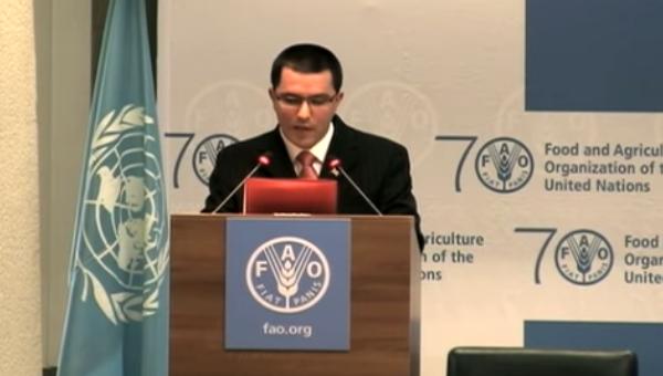 Venezuelan Vice-President Jorge Arreaza speaking at FAO headquarters in Rome, June 8,