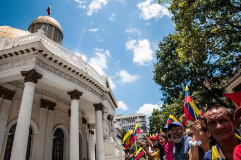 Food Politics in a Time of Crisis: corporate power vs. popular power in the shifting relations of state, society and capital in Venezuela's foodsystem